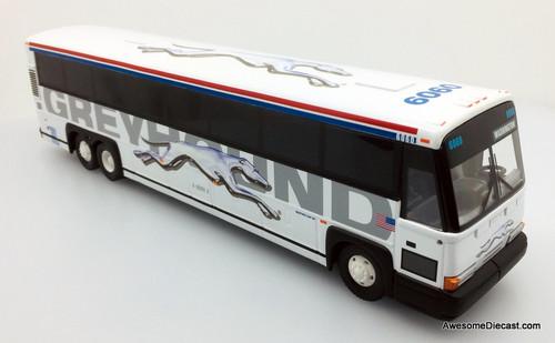 Corgi 1:50 MCI 102-DL3 Greyhound Lines: Destination Washington DC
