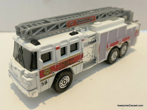 Matchbox Pierce Quantum Aerial Ladder Fire Truck