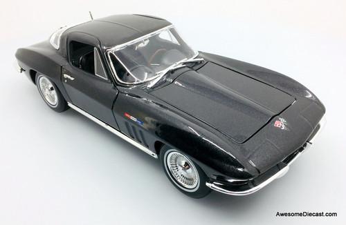 Maisto 1:18 1965 Chevrolet Corvette, Metallic Black