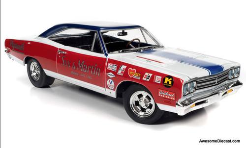 AutoWorld 1:18 1969 Plymouth Roadrunner: Sox & Martin