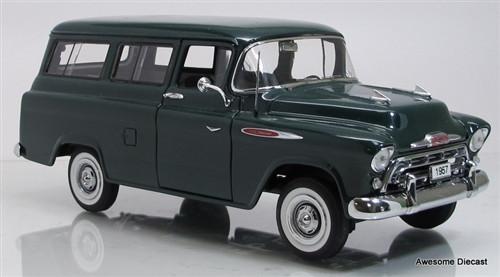 Danbury Mint 1:24 1957 Chevrolet Suburban (Brewster Green)
