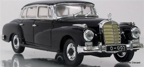 Rio 1:43 Mercedes Typ 300 W 189 (Adenauer)