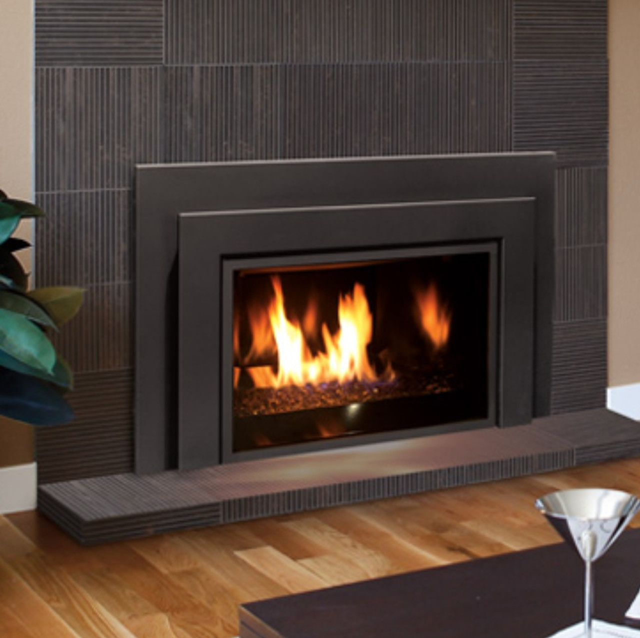 Enviro E33 Medium Gas Insert w/ contemporary surround