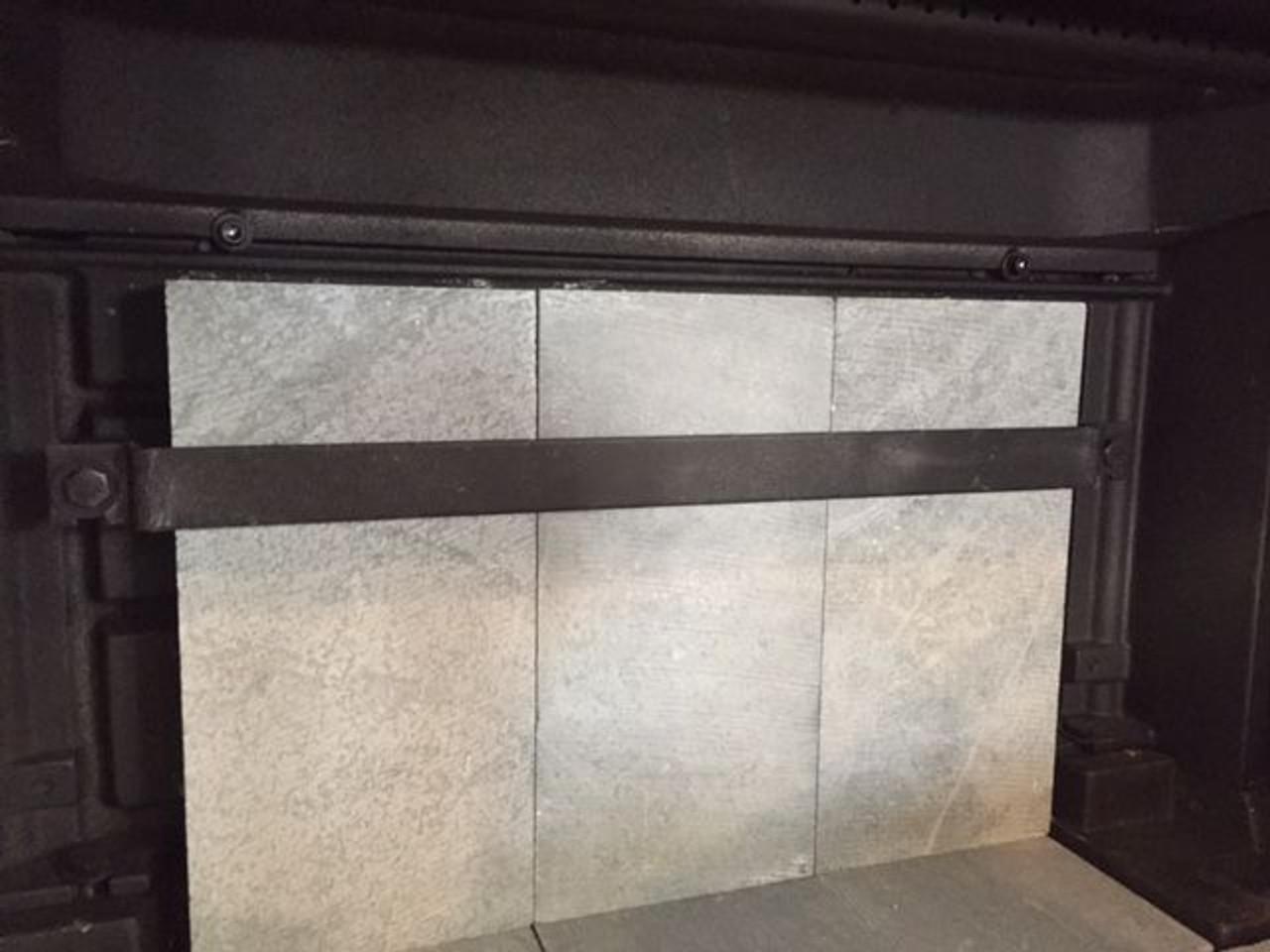 HearthStone Clydesdale Rear Brick Retainer (5490-050)