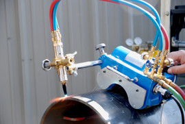 USED BLUEROCK CG-211C Motorized Magnetic Pipe Cutting Beveling Machine Gas Torch Burner Cutter