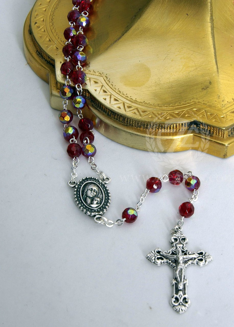 BEAUTIFUL SACRED HEART OF JESUS SMALL PRAYER ROSARY IN MATCHING BOX