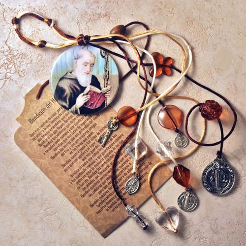 Details about  /San Benito Medalla y Oracion Benedict Gold Color Medal /& laminated prayer St