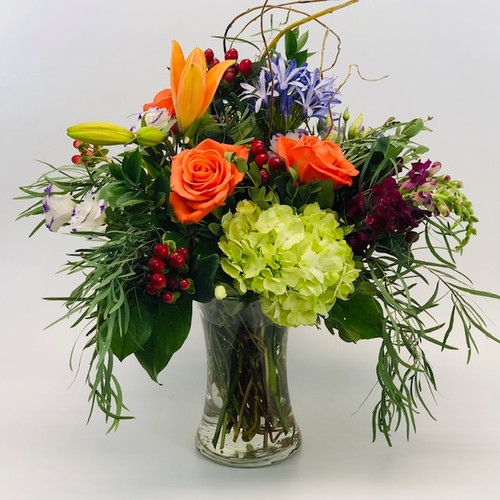 Rock Creek Chic features lysianthis, hydrangea, agapantha, varieties of eucalyptus and roses in Rockville MD, Palace Florists