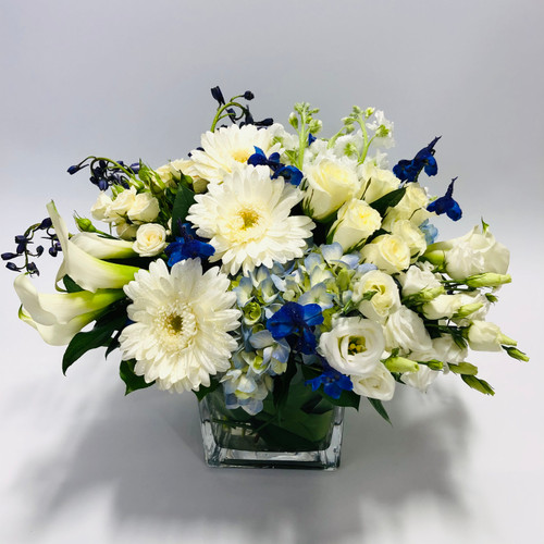 Eight Nights in Rockville MD, Palace Florists
