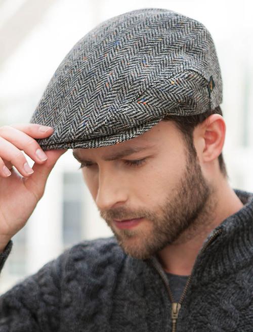 unverwechselbares Design geeignet für Männer/Frauen preiswert kaufen Trinity Tweed Flat Cap - Grey with Tan | Mucros Weavers