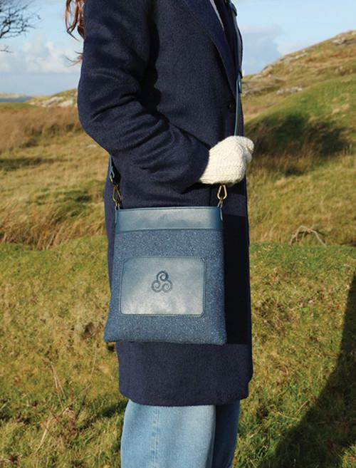 Kerry Tweed Message Shoulder Bag - Midnight Blue