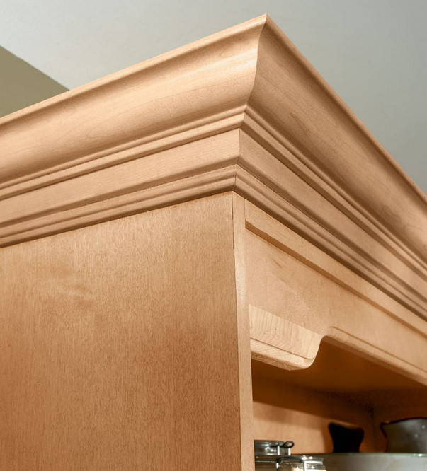 Classic Crown Molding In Natural Maple Kraftmaid