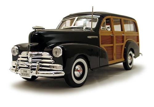 1/18-Scale Diecast 1948 Chevrolet Fleetmaster (Woody) Black