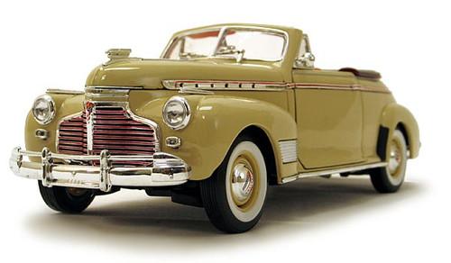 1/18-Scale Diecast 1941 Chevrolet Special Deluxe - Cream