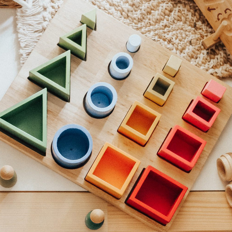 QToys 3D sorting and nesting board