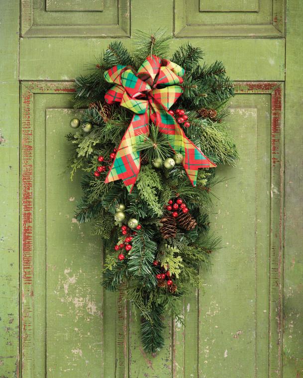 Forevergreens & Berries Holiday Teardrop