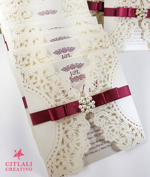 Pearl Brooch Doily Laser Cut Elegant Wedding Invitations