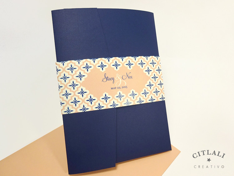 Quatrefoil Wedding Invitations Pocket Folder Suite in navy & peach