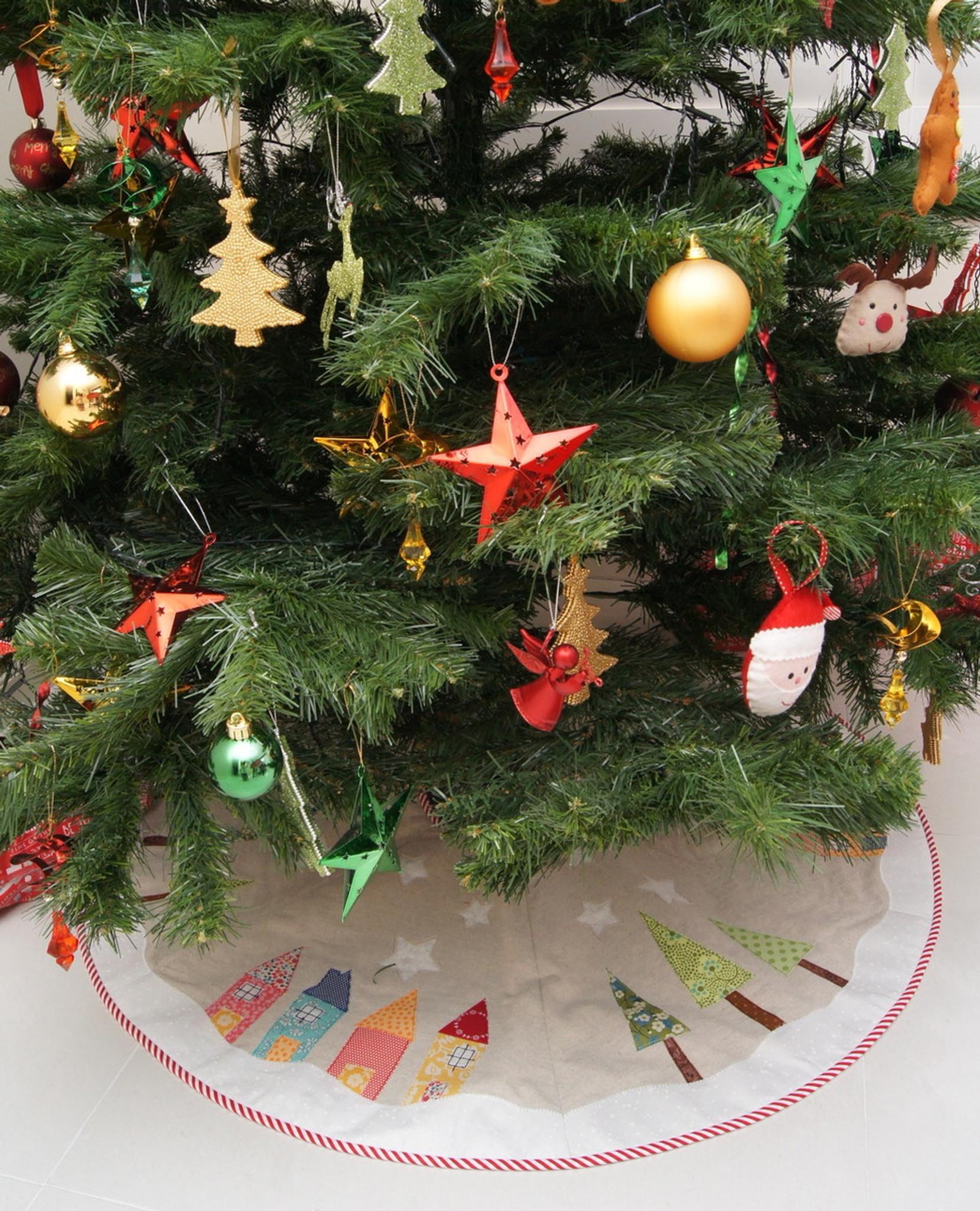Christmas Tree Pattern.Yule Tide Christmas Tree Skirt Pattern