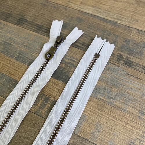 YKK Donut Pull Zipper - Light Grey (Antique Brass)