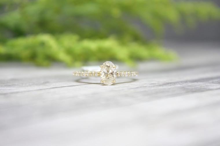.90cttw Oval Engagement Ring