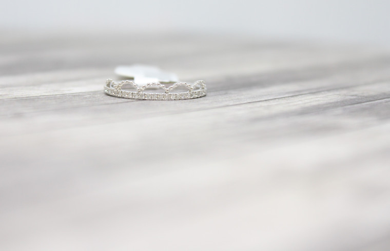 White Gold Crown Band