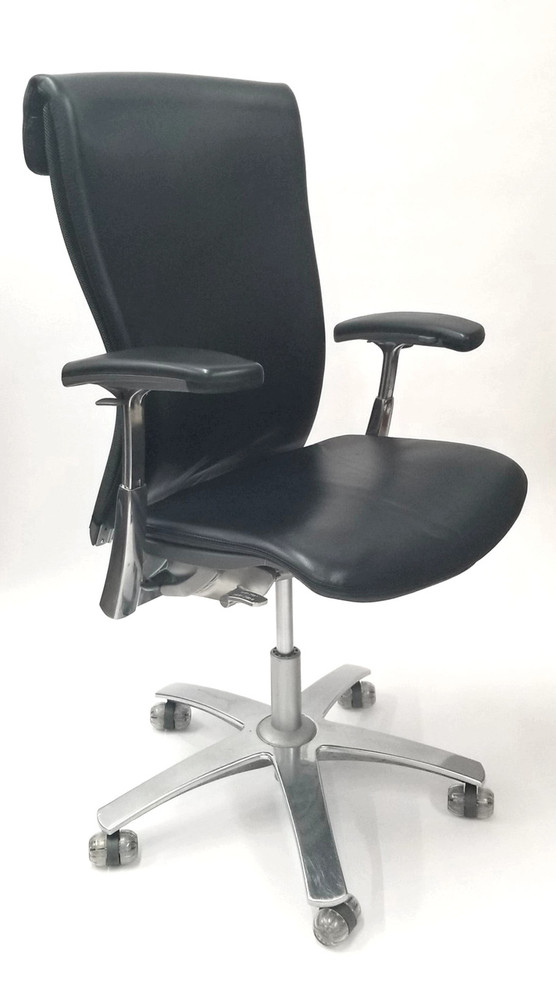 Knoll Life Chair Black Leather With 4 Way Arms Fully