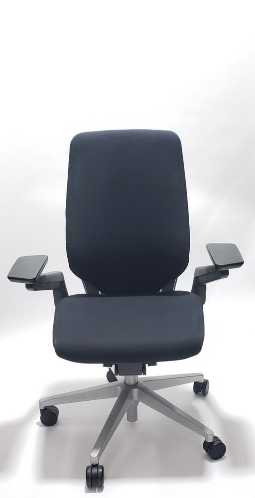 Steelcase Gesture Chair WIth 4-D Arms