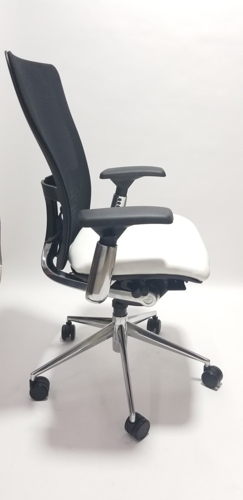 Haworth Zody Chair in White Leather Seat Fully Adjustable Model