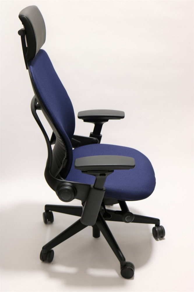 Steelcase Leap Chair V2 Navy Fabric With Headrest