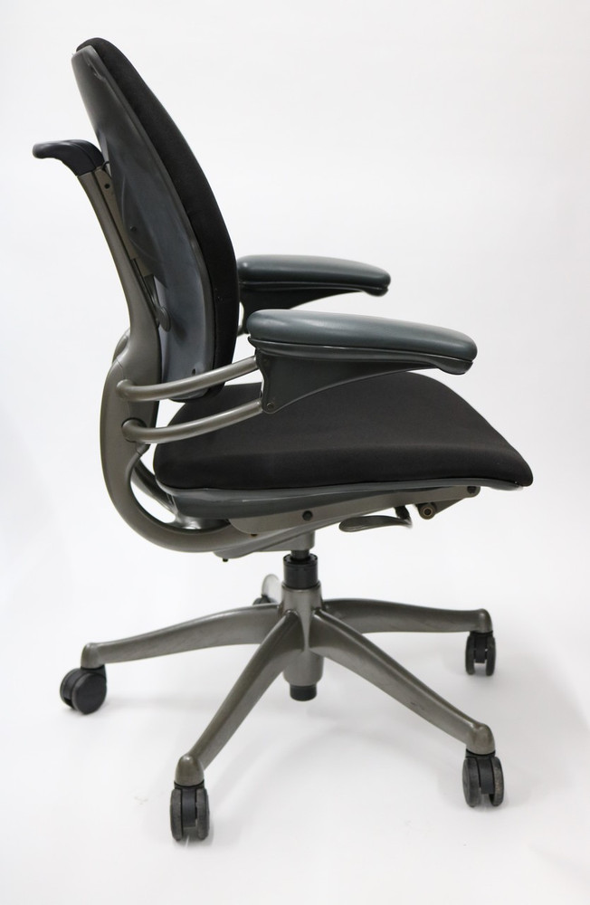 Humanscale Freedom Chair In Platinum Frame, Black fabric