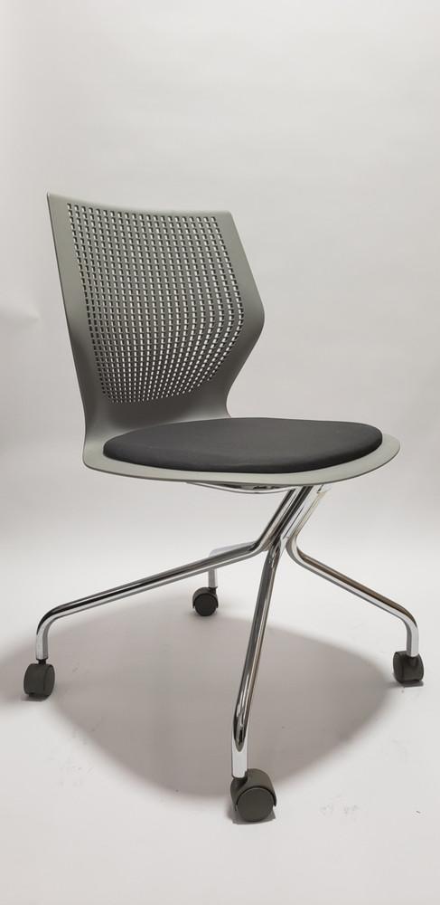 MultiGeneration by Knoll Task Chair