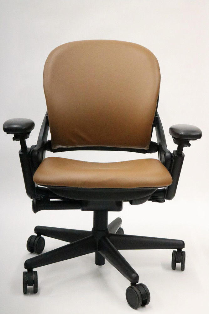 Refurbished Steelcase Leap Chair In Light Brown Leather