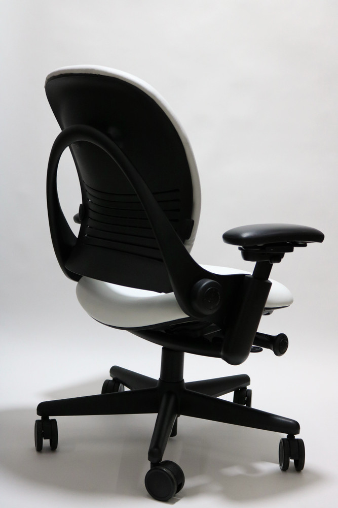 Refurbished Steelcase Leap Chair In White Leather