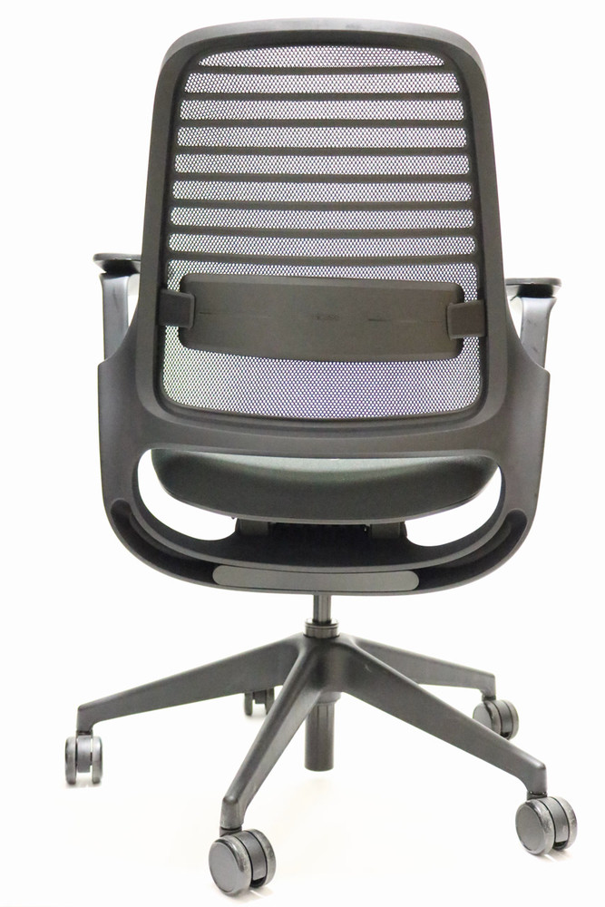 Steelcase Series 1 Chair With 4-D Arms