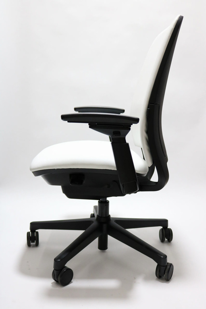 Steelcase Amia Chair Fully Adjustable Model White Leather