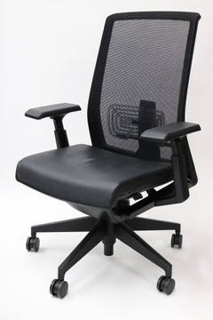Haworth Very Chair Black Leather Mesh Back Fully Adjustable Model + Fully Adjustable 4-D Arms