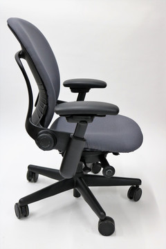 Steelcase Leap Chair In Gray Fabric + Pivot Arms