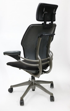 Humanscale Freedom Chair With Added Headrest In Platinum Frame, Black fabric