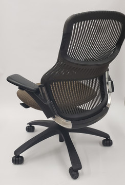 Generation Chair by Knoll Fully Adjustable Model Espresso
