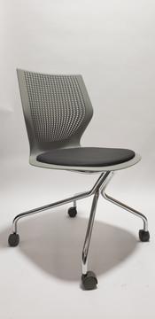 Knoll MultiGeneration Task Chair