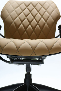 Humanscale Freedom Chair Fully Adjustable Diamond Executive Model Light Brown Leather