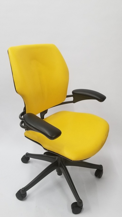 Humanscale Freedom Chair Fully Adjustable Model Yellow Leather