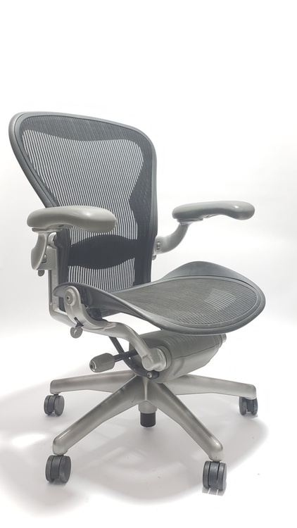 Aeron Chair Platinum Frame and Black Mesh with Lumbar Pad Size B