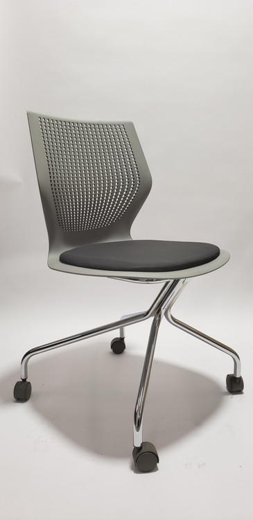 Knoll MultiGeneration Task Chair
