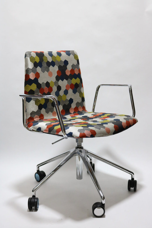 Andreu World Flex Corporate  SO1660 Chairs Collection by Piergiorgio Cazzaniga Dot Colors Fabric