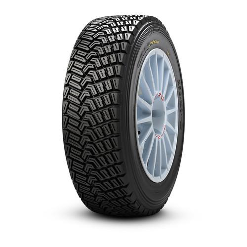 Pirelli KM Tyre