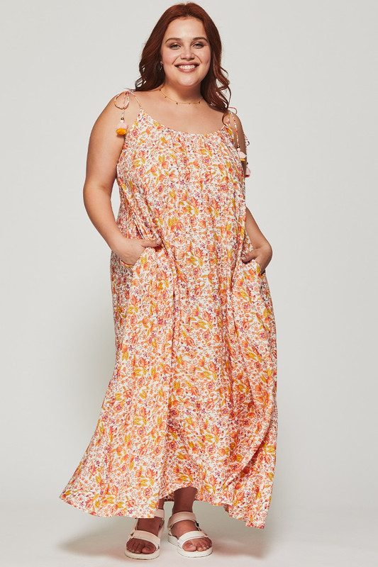 Low Back Maxi Dress in Dreamscape