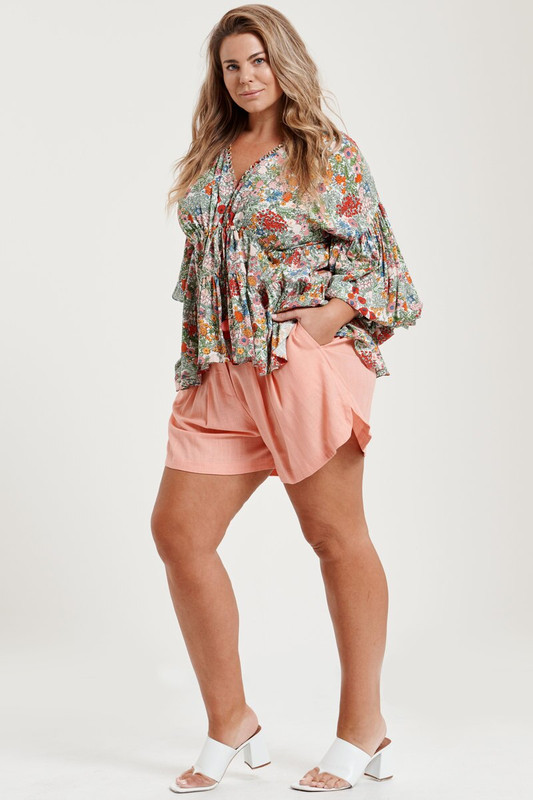 Lena Shorts in Coral Linen