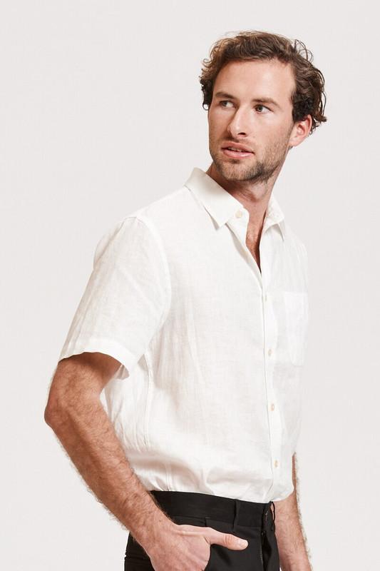 Mister Hugo Shirt in White Linen
